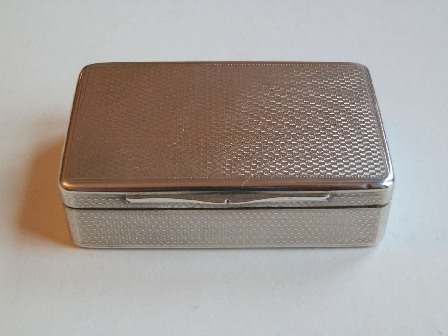 A Victorian silver table snuff box, Rawlings and Summers, 1838