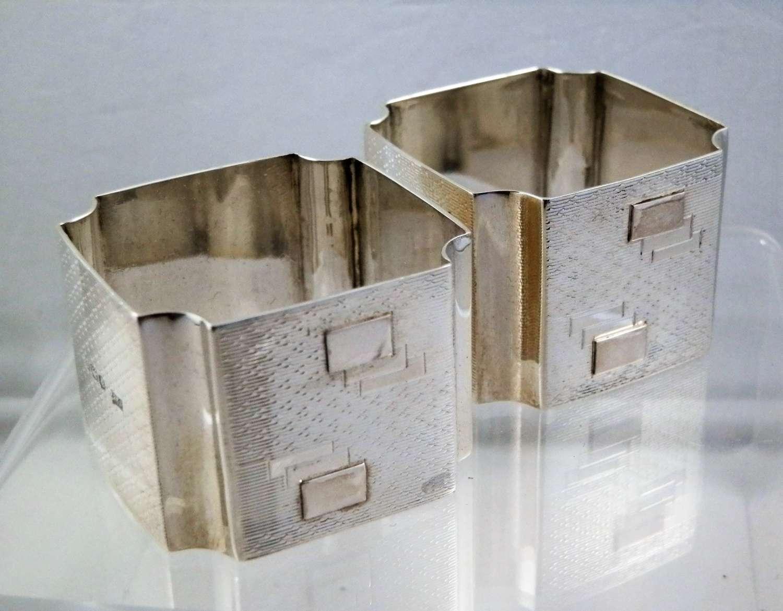 Art Deco pair of silver napkin rings, 1920
