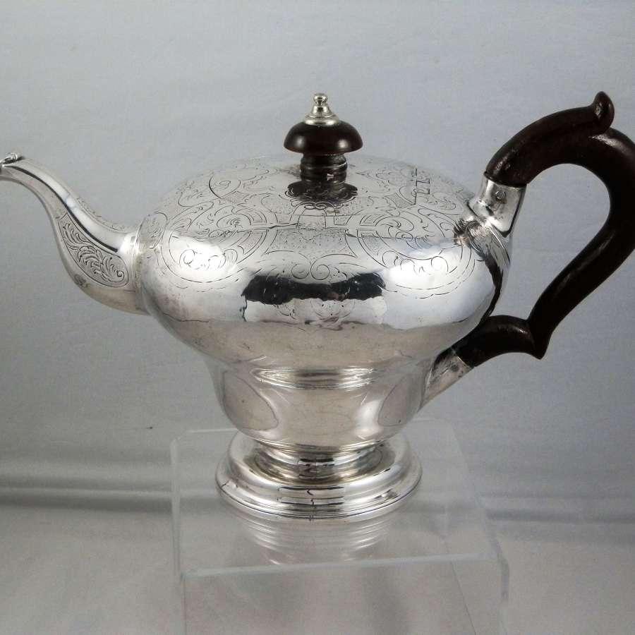 William IV silver teapot, London 1836