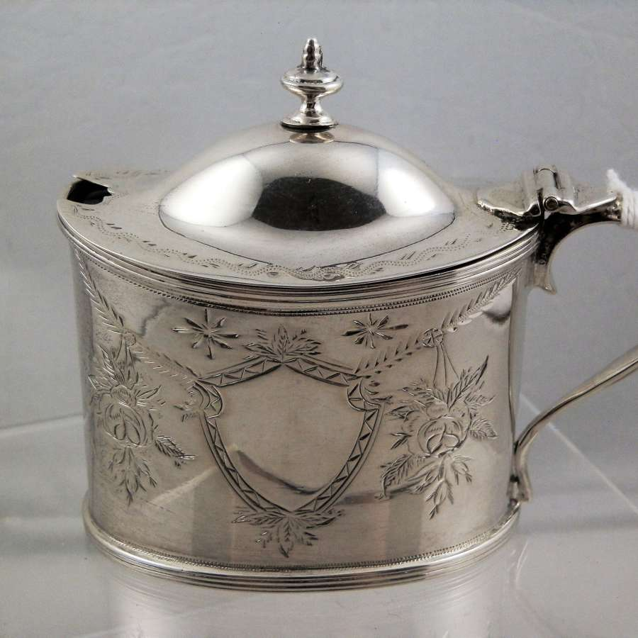 Chester silver mustard pot, Nathan & Hayes 1899