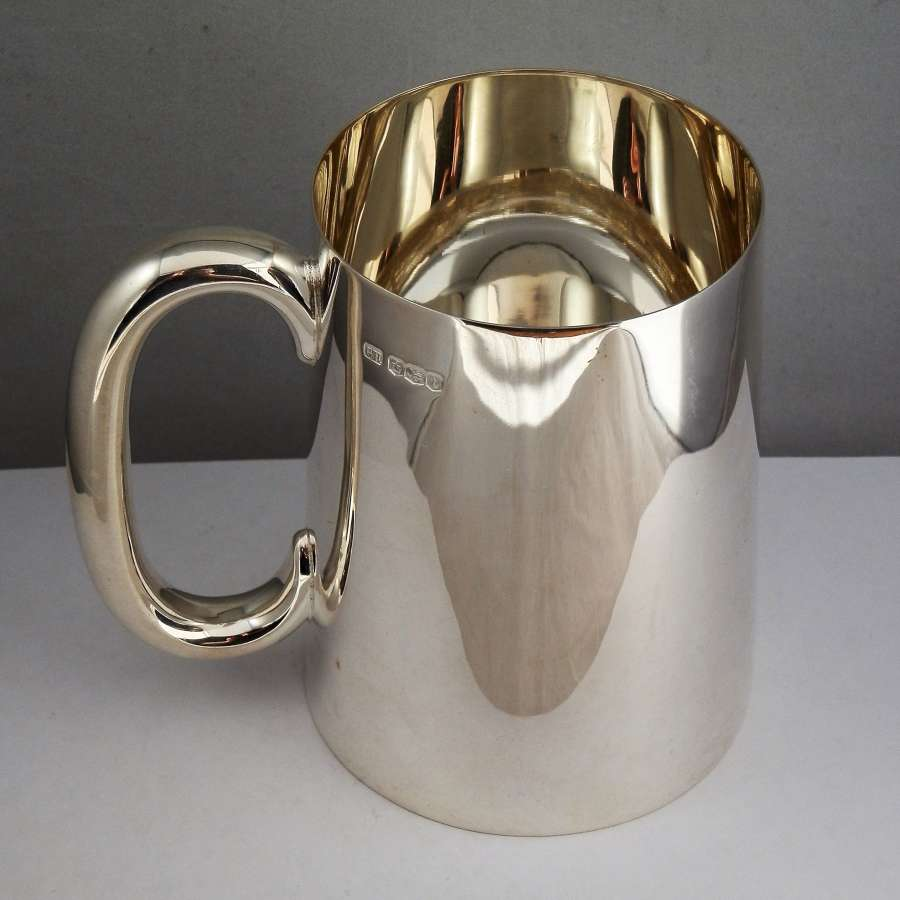 Silver pint tankard, Sheffield 1936