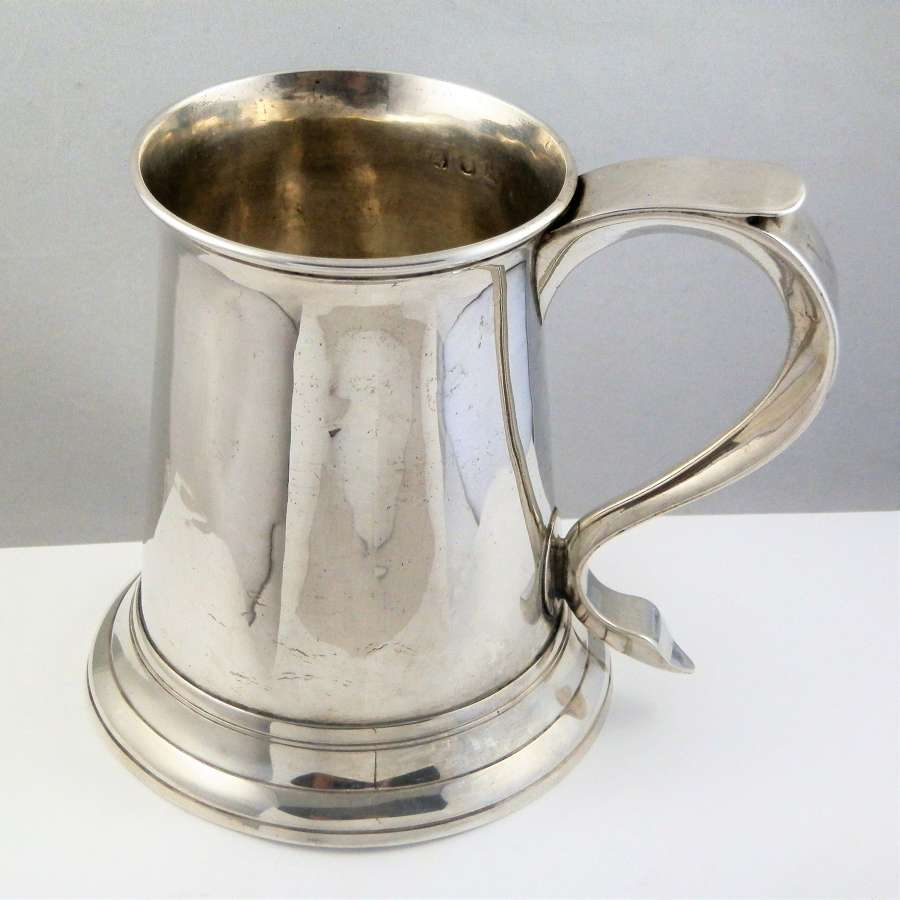 George III silver pint tankard, London 1770