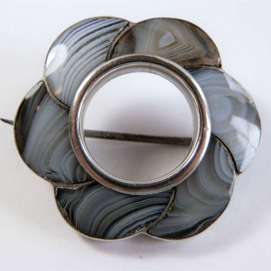 Victorian Scottish Montrose agate brooch, c.1880