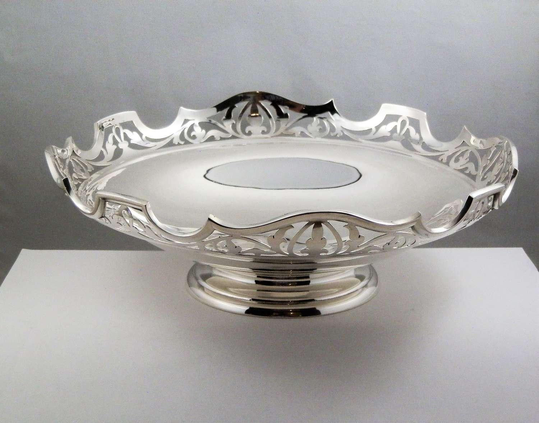 George V silver fruit bowl or bread basket, Sheffield 1914