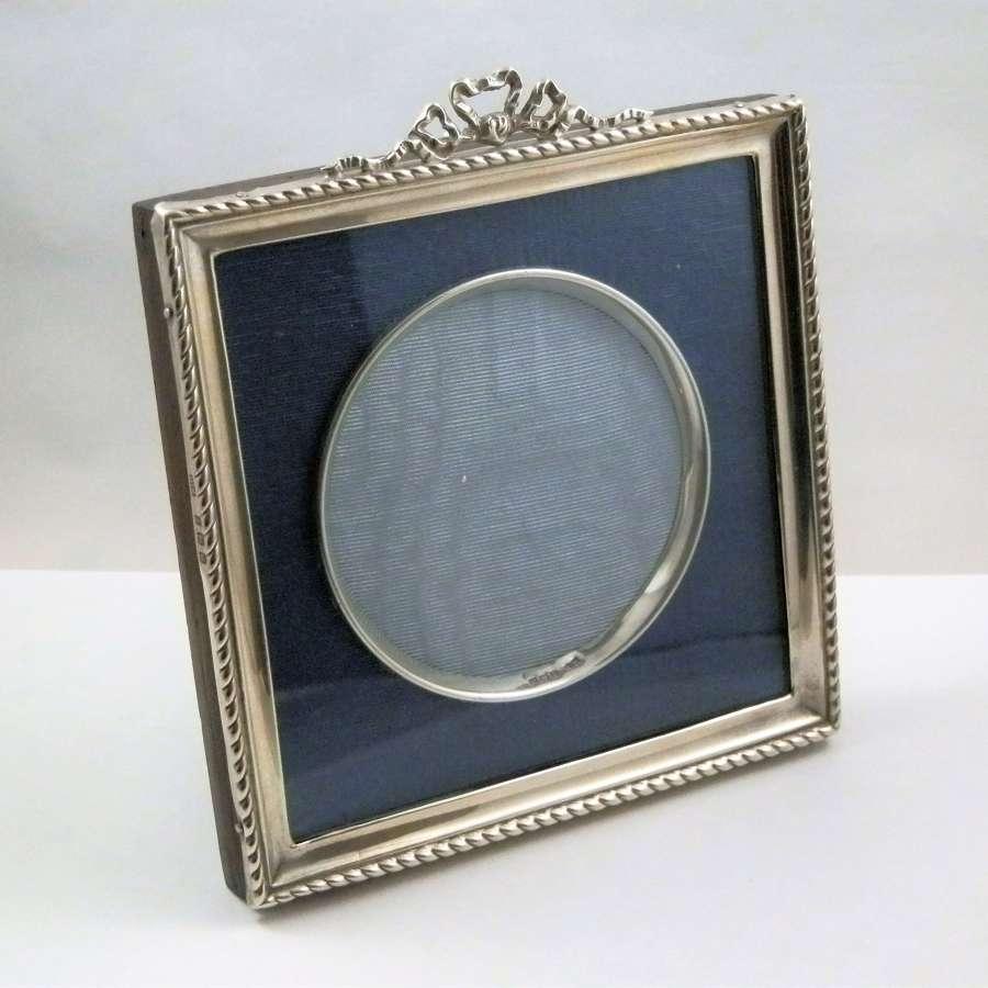 Art nouveau silver Edwardian picture frame, 1911