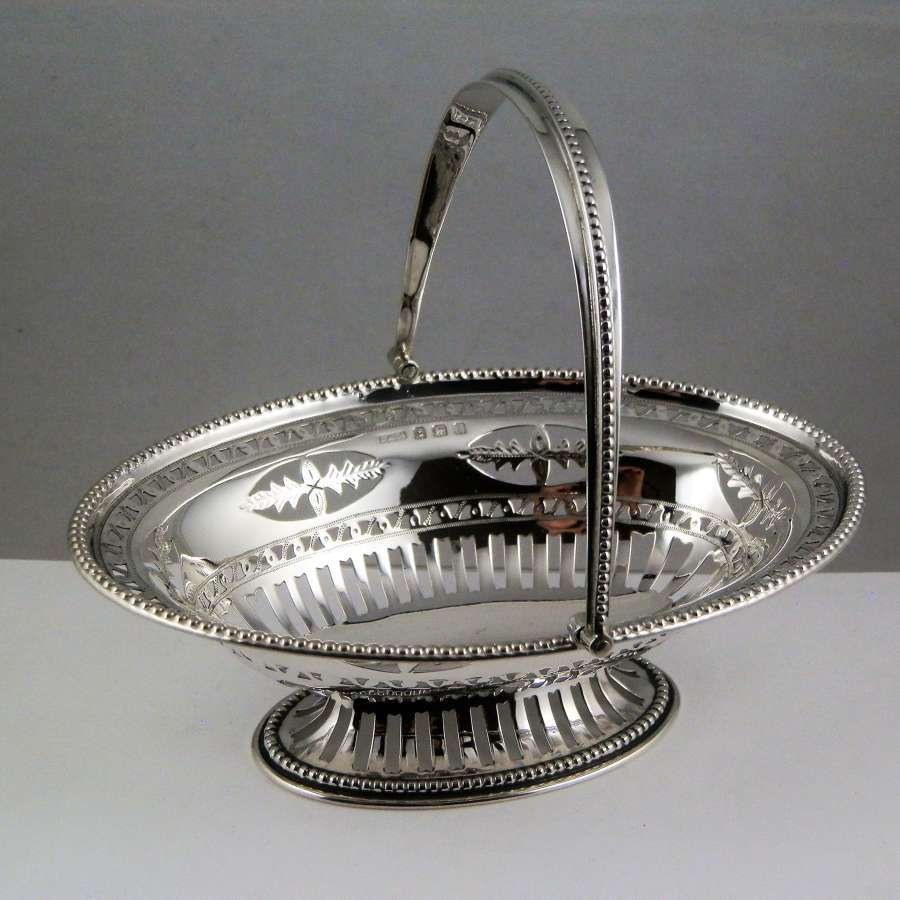 An Edwardian silver bonbon basket, Birmingham 1910