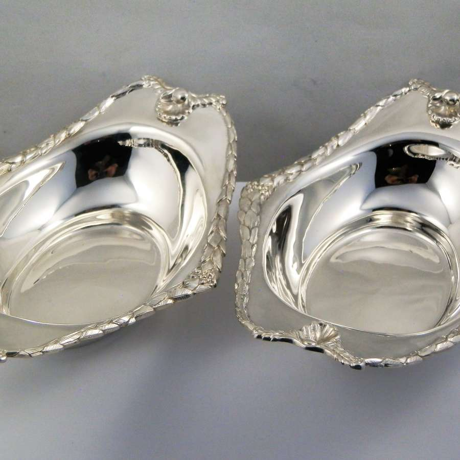 Edwardian pair of silver bon bon dishes, London 1906