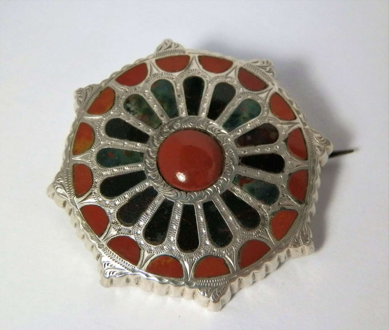 Victorian Scottish silver agate brooch, c.1880
