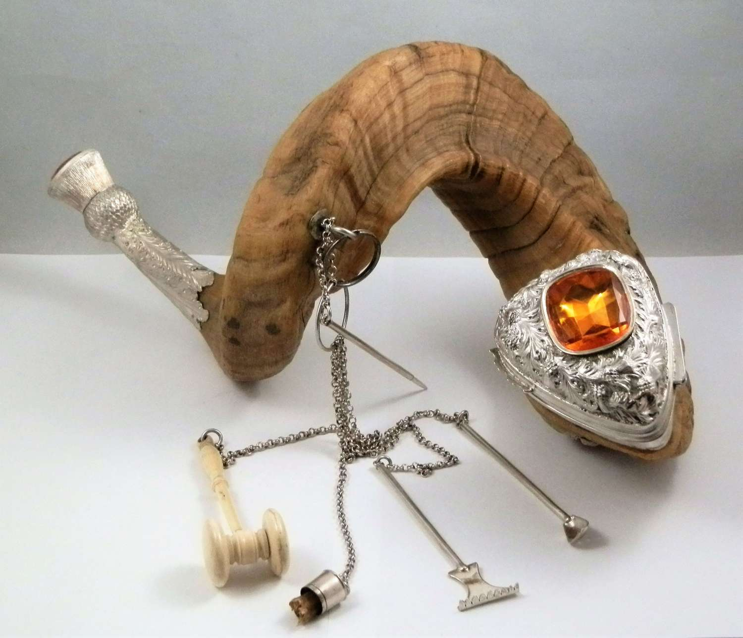 Early Victorian silver and ram's horn table snuff mull ,c.1850