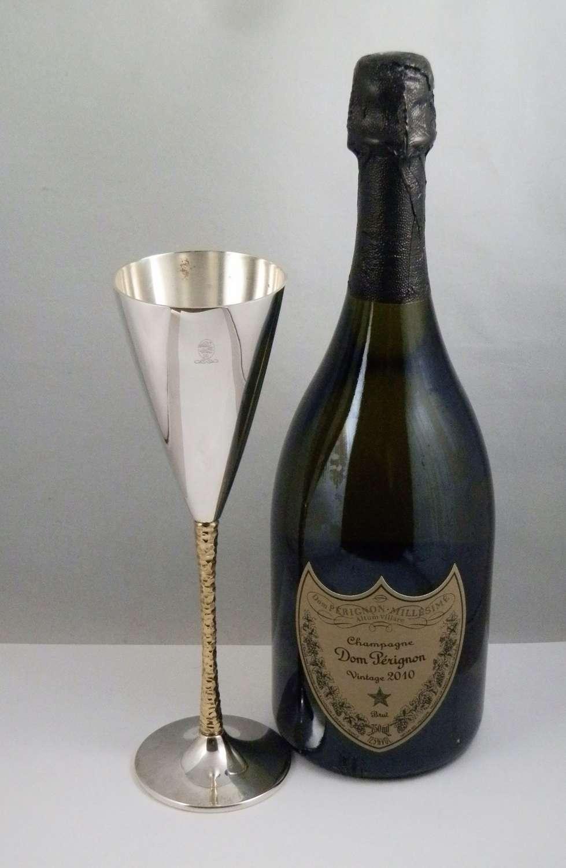 Elizabeth II silver gilt champagne flute, Stewart Devlin, London 1980