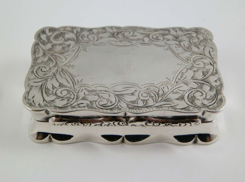 An Edwardian silver snuff box by Joseph Gloster, Birmingham 1903
