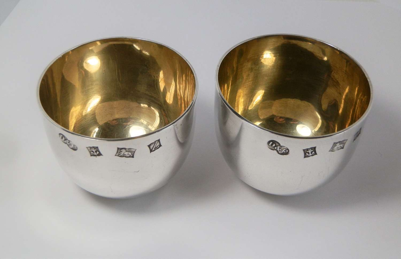 Pair of Elizabeth II silver gilt tumbler cups, Birmingham 1974