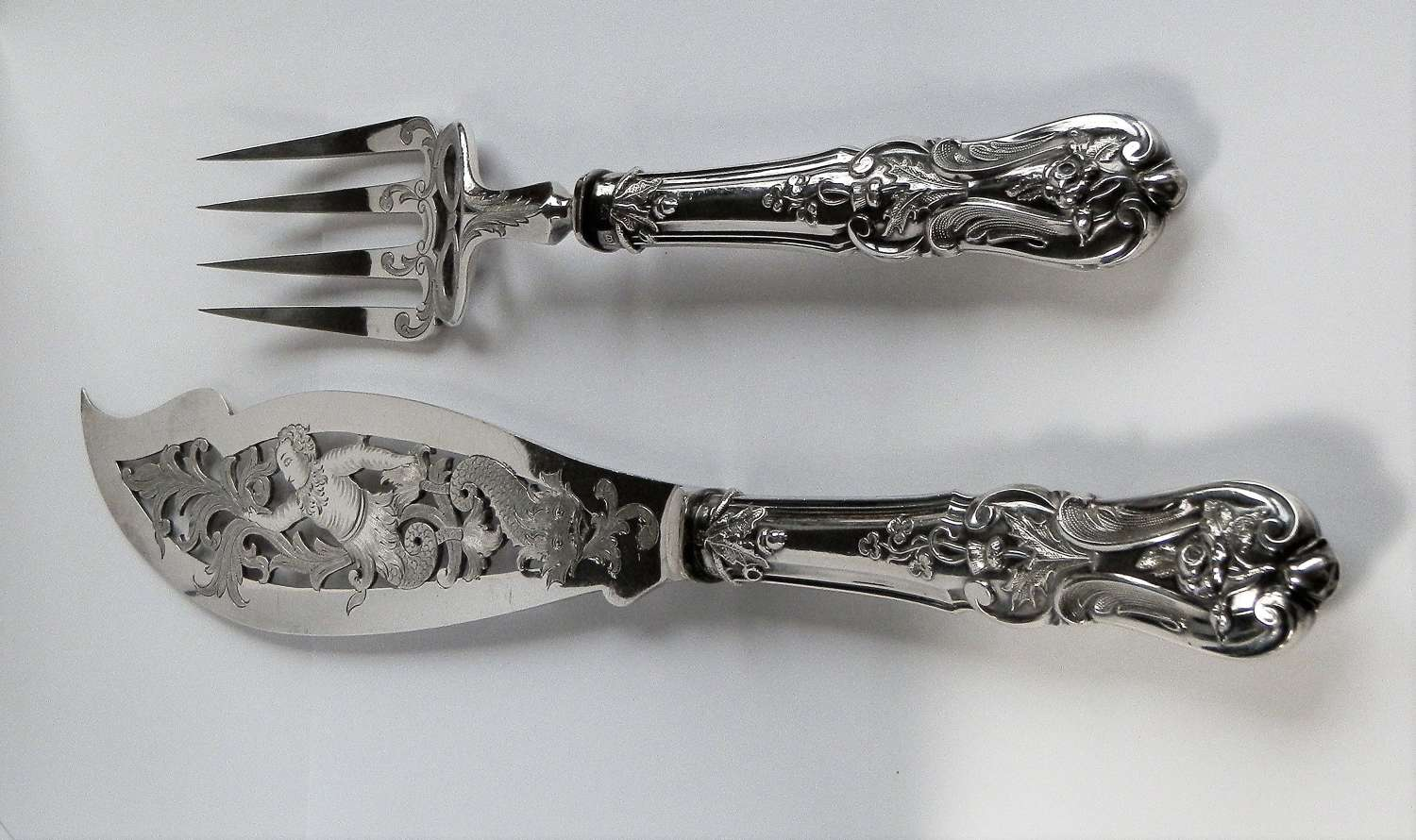 Victorian silver engraved fish servers, Sheffield 1890