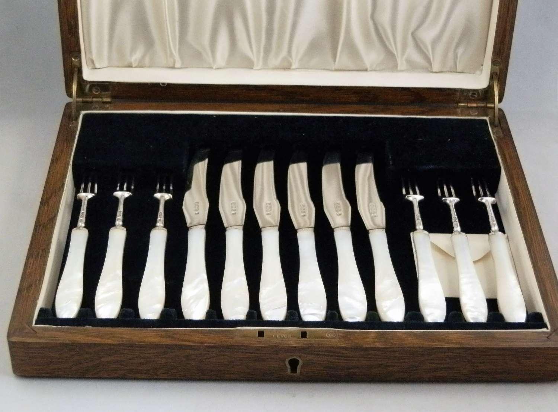 Set of six silver knives and forks, Thomas Bradbury Sheffield 1921