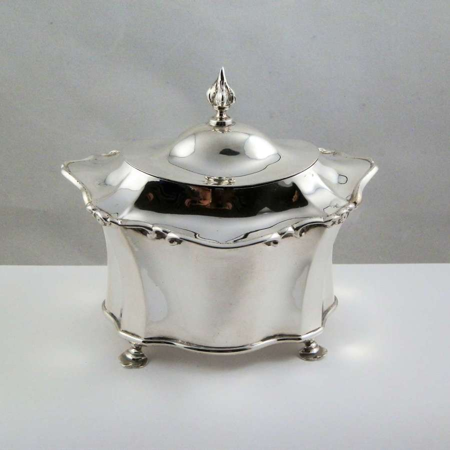 Edwardian Chester silver tea caddy, Nathan and Hayes 1905