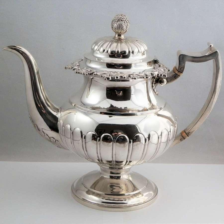 George III Scottish silver teapot, W&P Cunningham, Edinburgh 1814