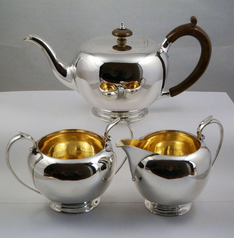 A George V silver three piece tea set, London 1919